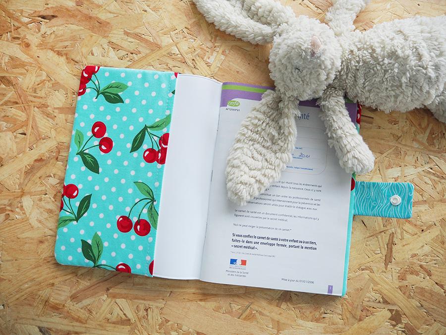 evian bébé - DIY - Une housse de carnet de santé avec son prénom
