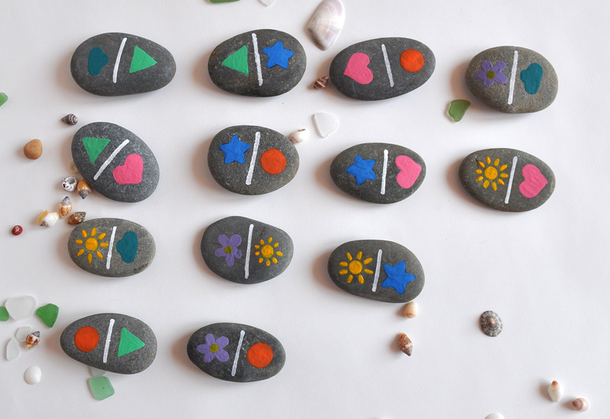 evian bébé - DIY - Des dominos avec des galets